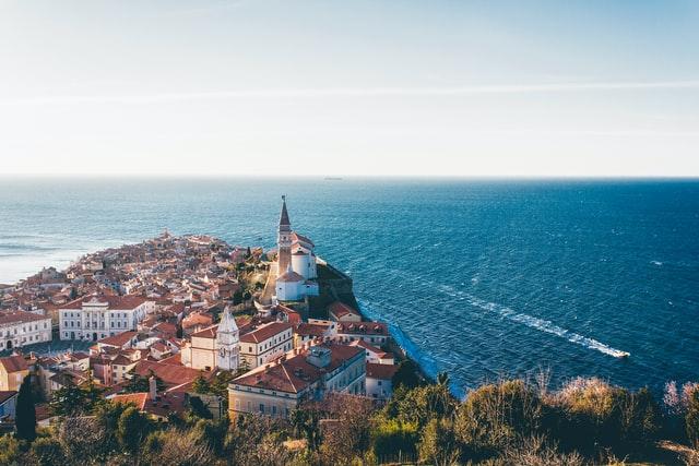 Lenovo support services warranty upgrades Slovenia